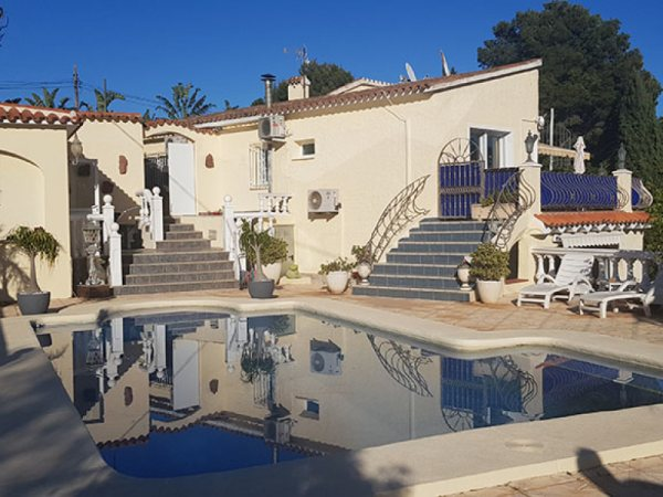 VP71 Villa for sale in Denia with guest accommodation and pool - Photo