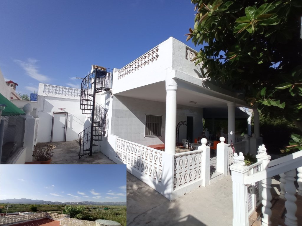 VP4 Country house for sale in Pego with large plot of rustic Land - Property Photo 1
