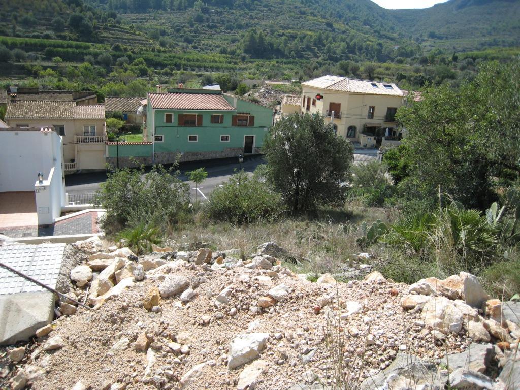X-DV67 Plot Land in Llosa De Camacho - Property Photo 2