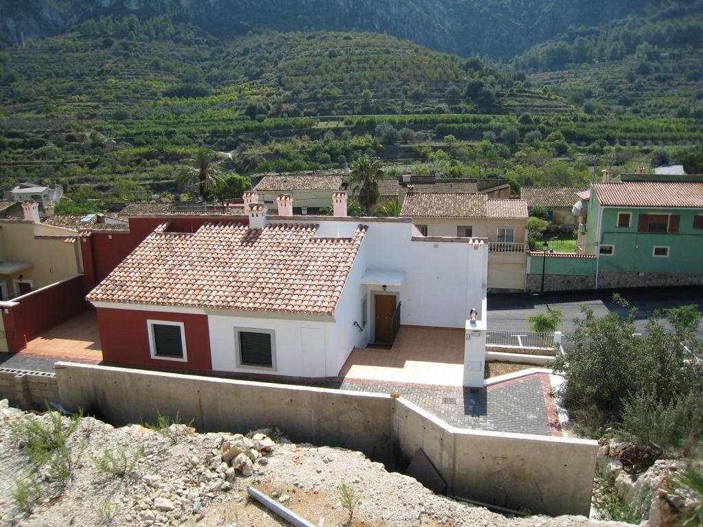 X-DV67 Plot Land in Llosa De Camacho - Property Photo 3