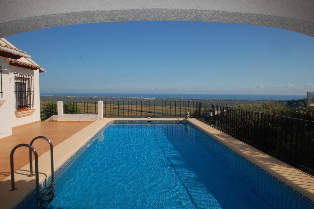 3264 - Villa / House in Pego