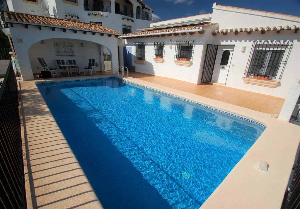 X-3264 Villa in Pego with 2 Bedrooms - Property Photo 1
