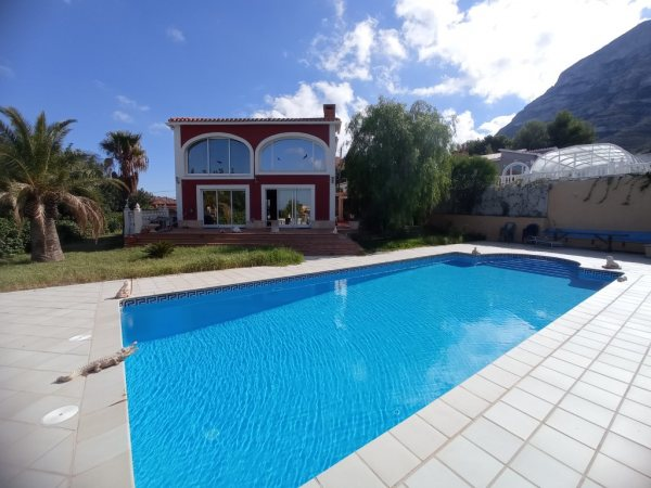 VP92 House for sale in Denia with 3 bedrooms and sea views - Photo