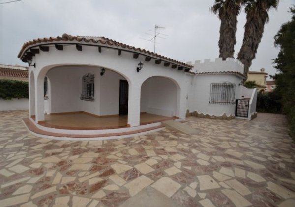 X-3315 Villa in Els Poblets with 3 Bedrooms - Photo